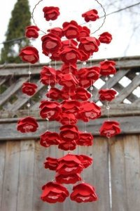 Розы и гирлянды из бумаги