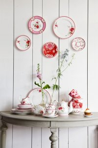Как красиво повесить тарелки