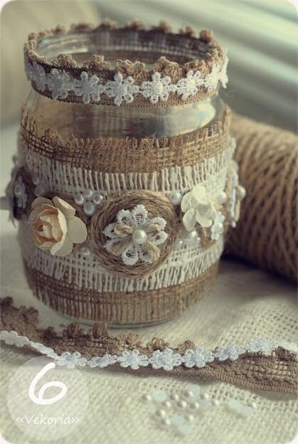 Винтажный декор мешковиной и цветами