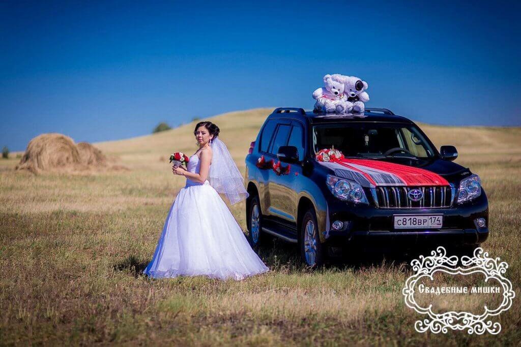 Варианты украшения свадебной машины