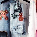 Украсить джинсы вышивкой – схемы и техника