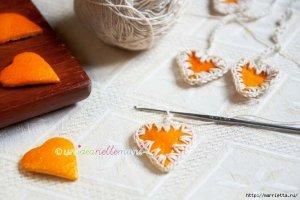 Украшение из апельсиновых корок