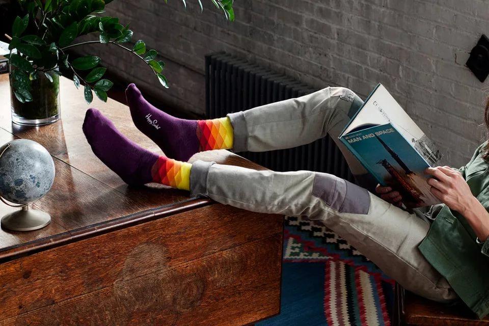 Как сделать яркий мужской образ при помощи носков