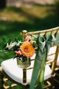 Идеи для декора свадебных стульев